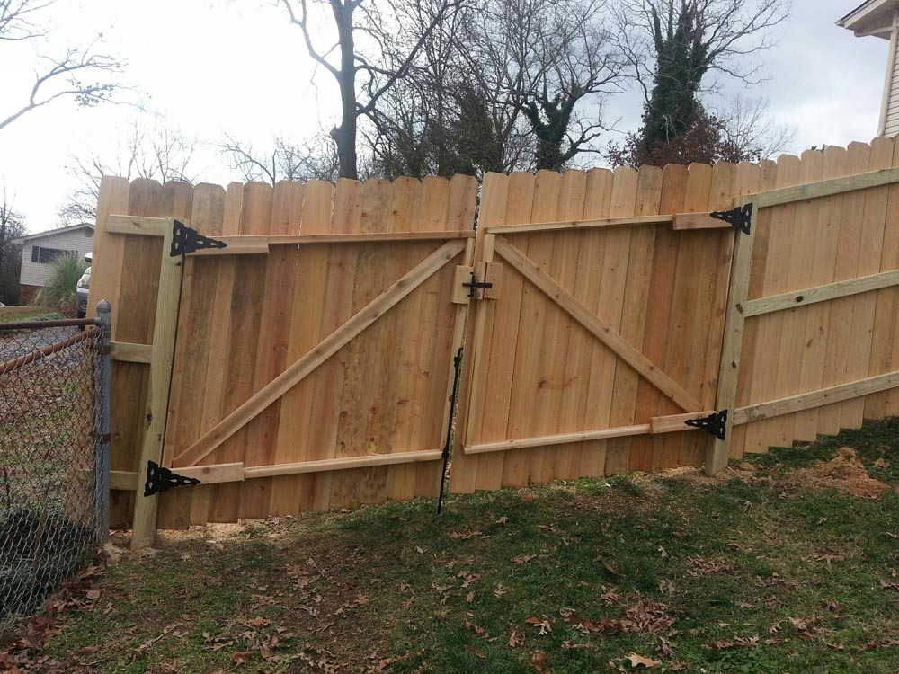 Wood Works On 35 Degree Inclined Hill With Gate Action